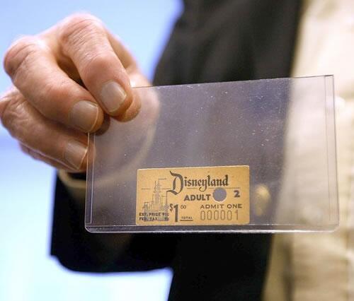 Pierwszy bilet do Disneylandu
