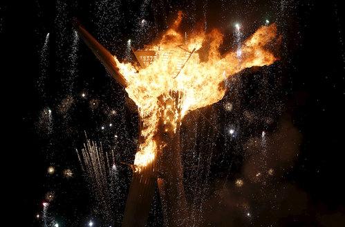 Płonąca postać na Burning Man 2015/ Fot. Jim Urquhart / Reuters /