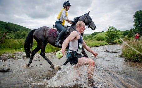 Wyścigi z końmi - Llanwrtyd Wells, Wielka Brytania