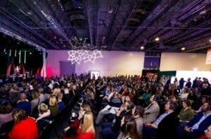 FBE 2019 i publiczność przy strefie wykładów