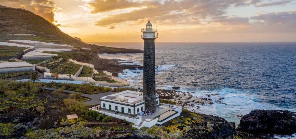 Romantyczne wakacje w Hiszpanii z noclegiem w latarni morskiej przerobionej na hotel